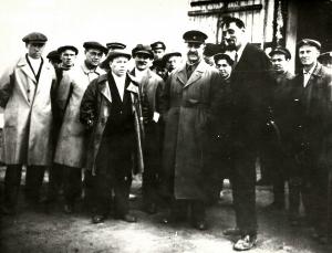 25 августа 1934 года В августе строительство завода посетил нарком тяжелой промышленности Серго Орджоникидзе